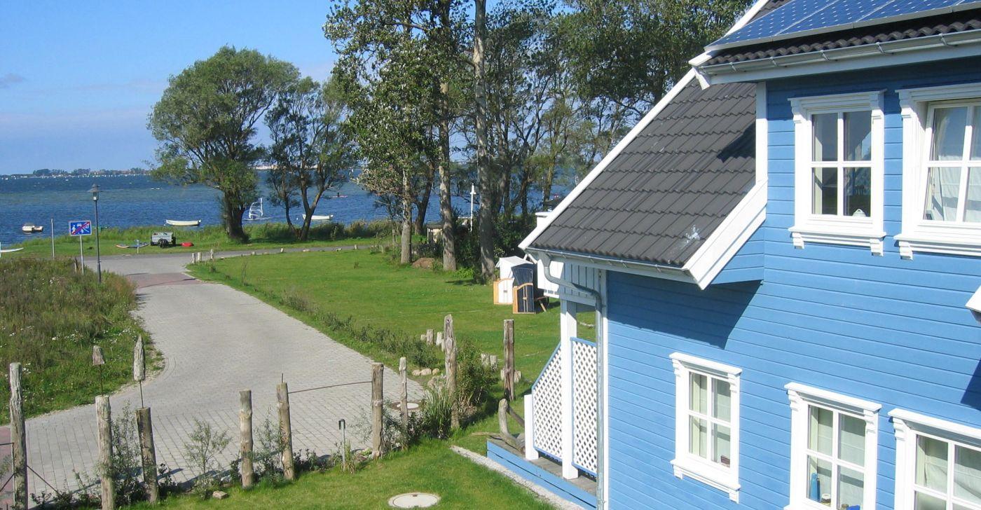 """Ferienwohnung """"1 im Strandhaus-Wiek mit Balkon zum Wasser"""""""