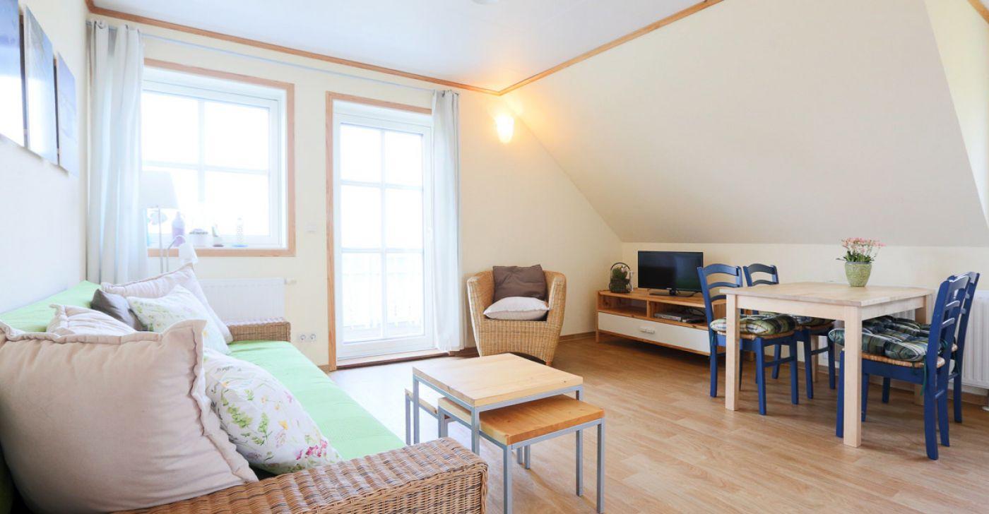 """Ferienwohnung """"2 im Strandhaus-Wiek mit Balkon zum Wasser"""""""