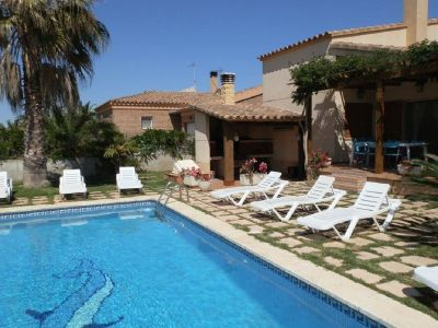 Bild Villa Esther mit Pool